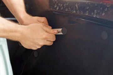 Защита кузова автомобиля PU-пленкой в ТЦ ВОЛИН. Возвращение декоративных элементов