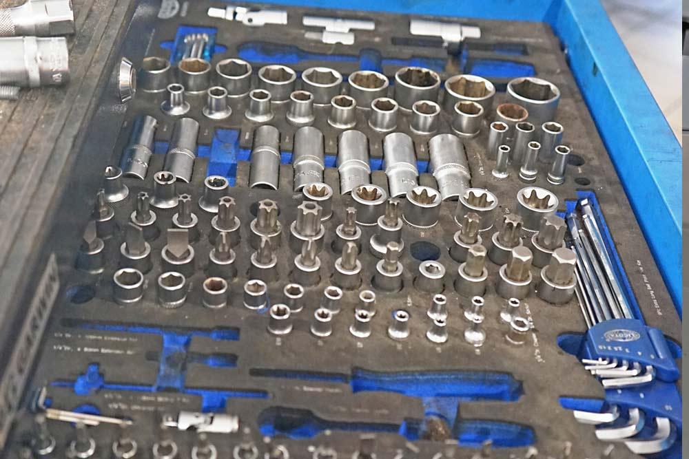 Ремонт головки блока цилиндров в ТЦ ВОЛИН. Принципы моторного ремонта