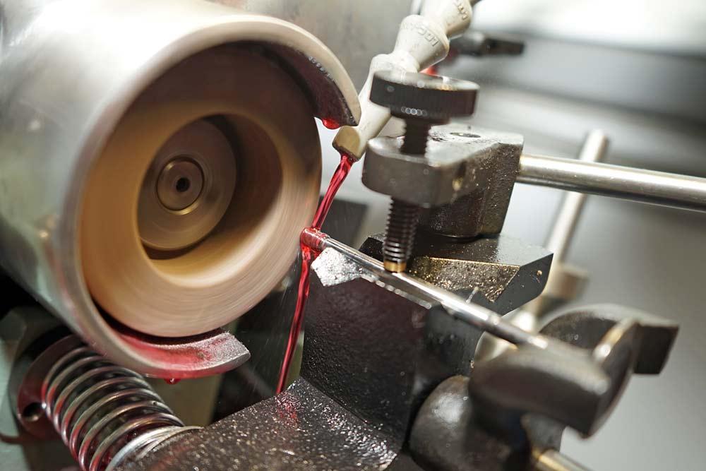 Ремонт головки блока цилиндров в ТЦ ВОЛИН. Ремонт клапанов