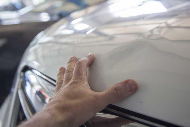 Ремонт вмятин без покраски в Техническом Центре «ВОЛИН». Фото процесса