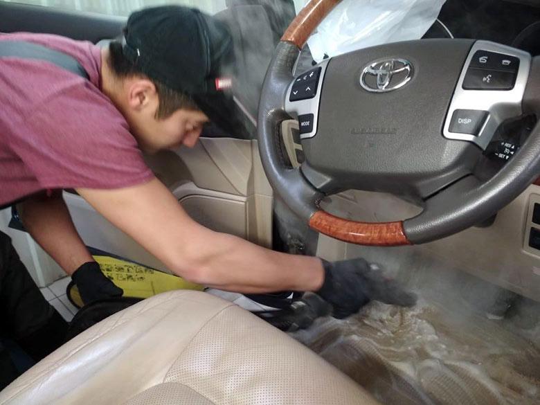 Химчистка салона автомобиля в Техническом Центре «ВОЛИН»