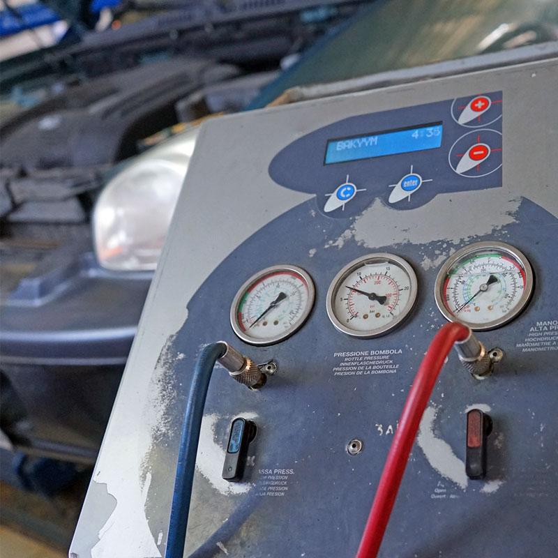 Обслуживание и заправка кондиционеров в Техническом Центре «ВОЛИН»