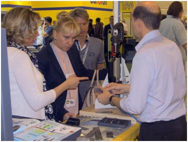 Обсуждаем с региональным менеджером по экспорту Мария Беас компании GYS мировым производителем оборудования для кузовного ремонта новую технологию соединения разного металла кузова способом «клепки».