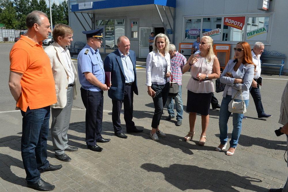 Рейд в рамках программы «Общественная защита» прошел на территории ТЦ «ВОЛИН»