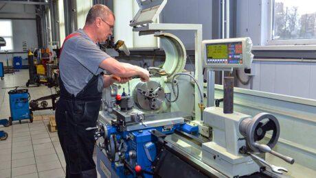 Высококачественные токарные работы по металлу в ТЦ «ВОЛИН»